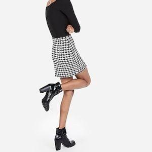 High Waisted Houndstooth Straight Mini Skirt